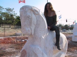 """ cavallo di rehovot "" - 2007, cm 200x200x130, jerusalem lime stone, stone symposium in rehovot, israel"