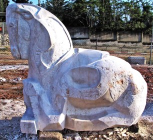 """ cavallo di rehovot "" - 2007, cm 200x200x130, jerusalem lime stone, stone symposium in rehovot, israel"